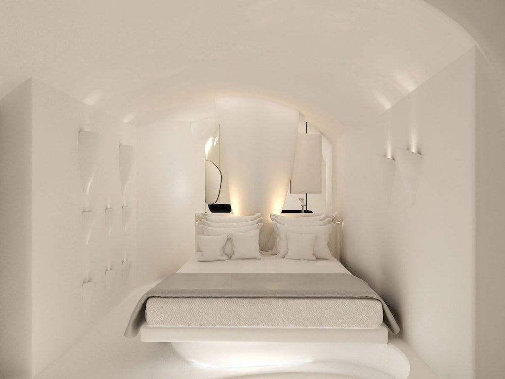 Nefeles Luxury Suites, Fira, Santorini Image 3