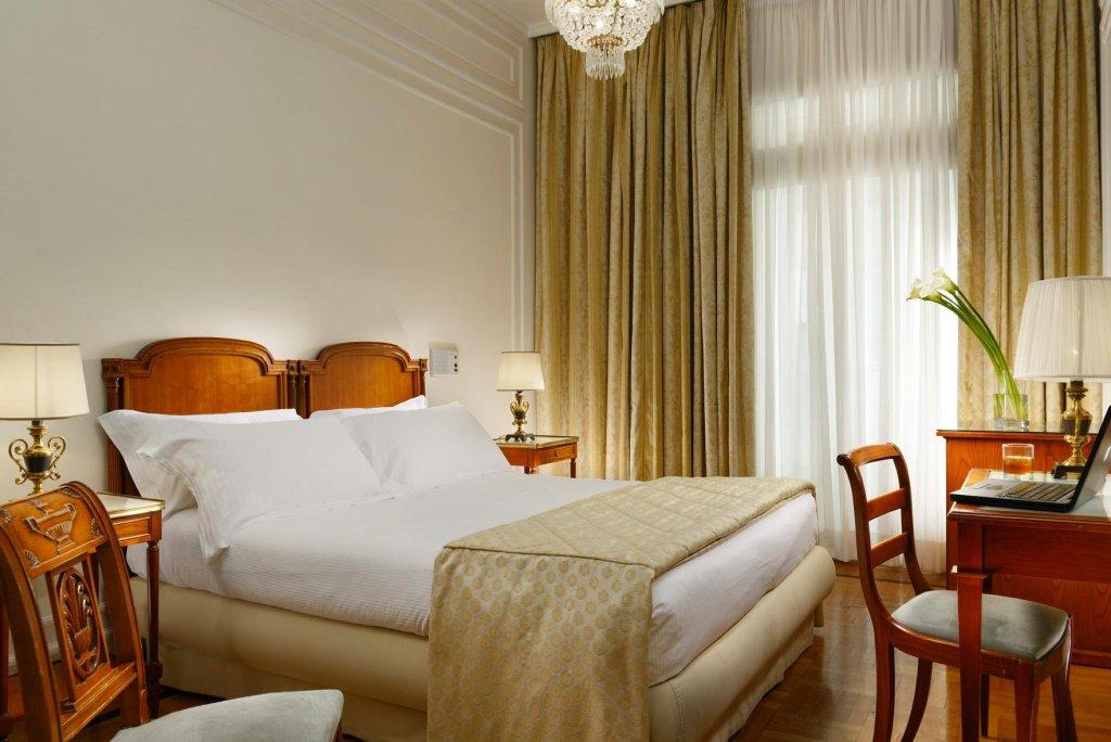 Grand Hotel Parker's, Chiaia, Naples Image 18