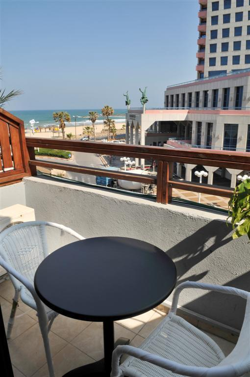 Liber Tel Aviv Sea Shore Suites Image 12