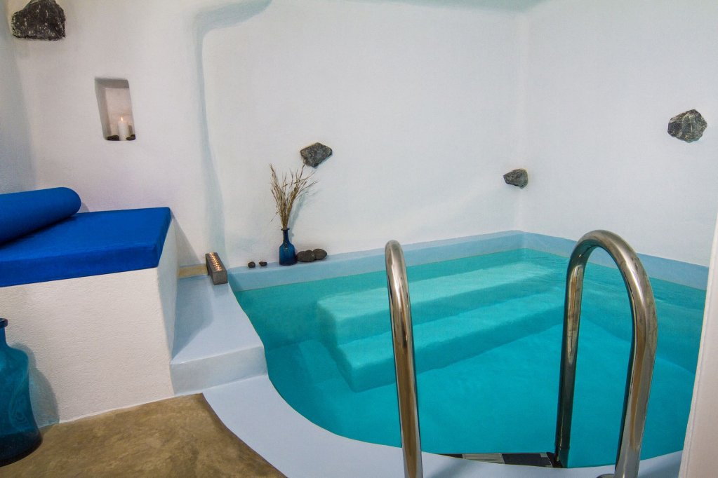 Iconic Santorini Image 4