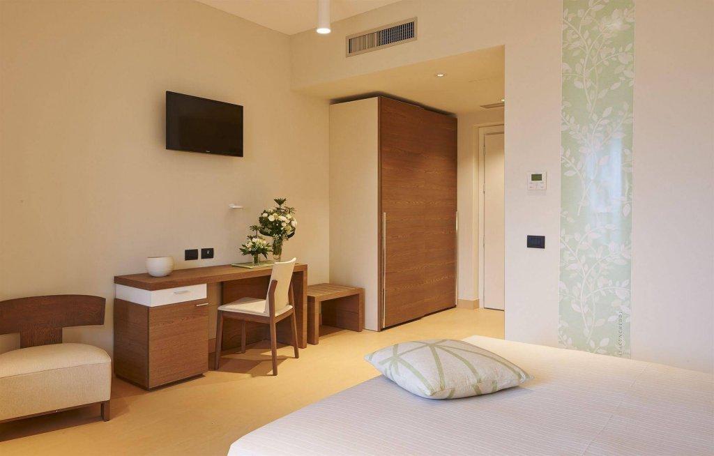 Hotel Cala Cuncheddi, Olbia Image 0