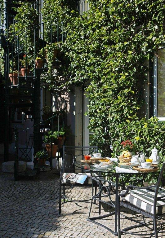 As Janelas Verdes, Lisbon Image 14