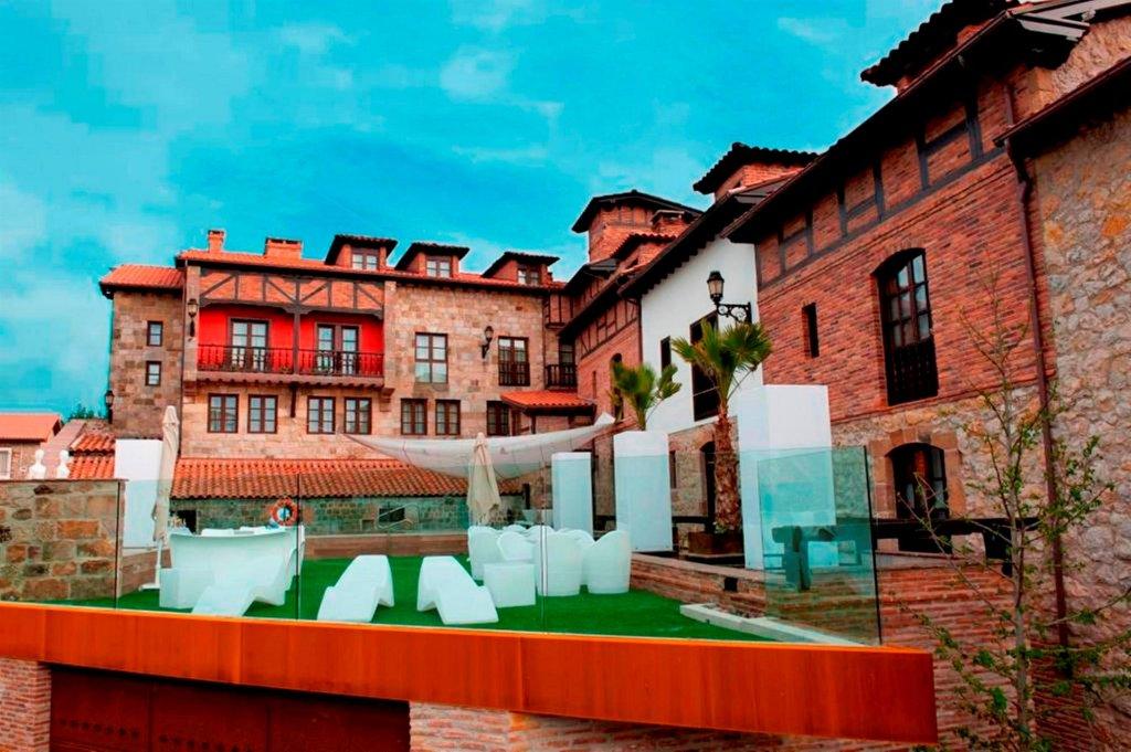 Costa Esmeralda Suites, Suances Image 0