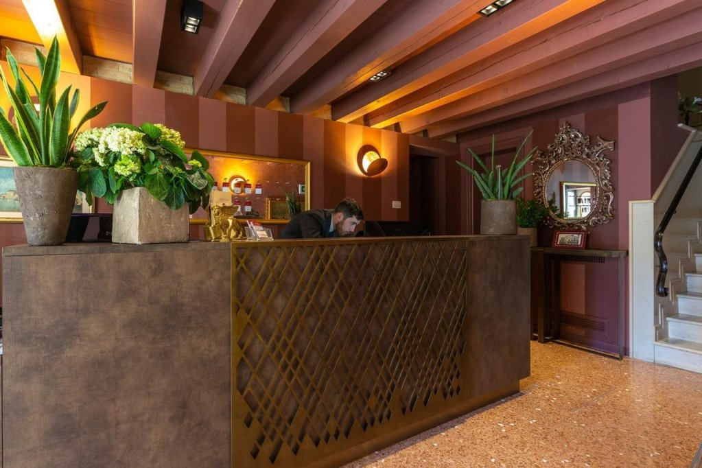 Hotel Tiziano, Venice Image 1