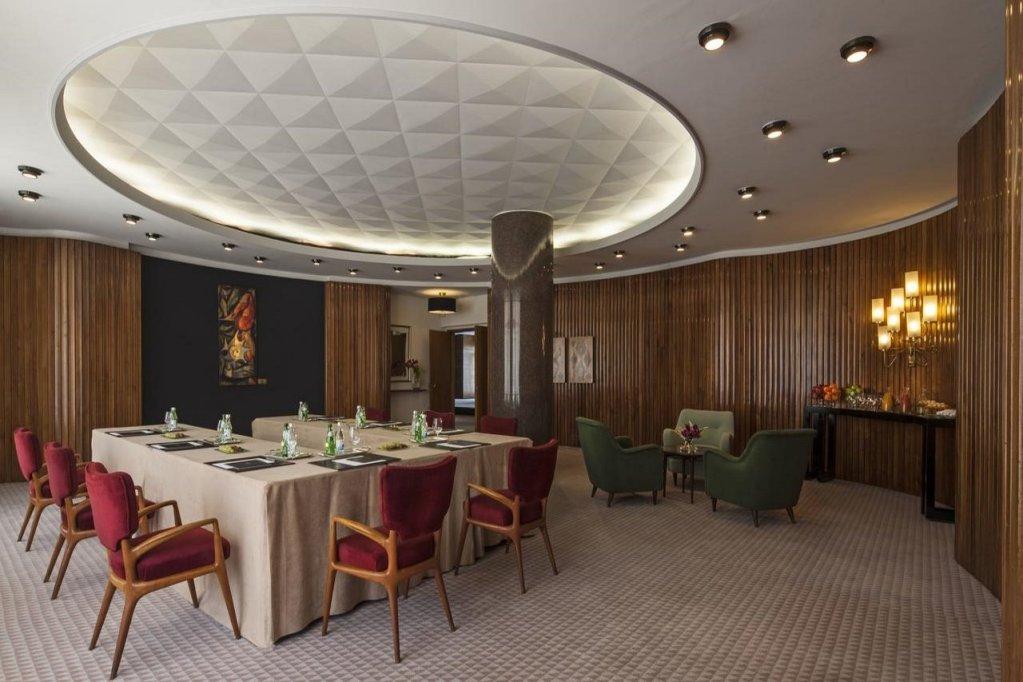 Four Seasons Hotel Lisbon Image 25