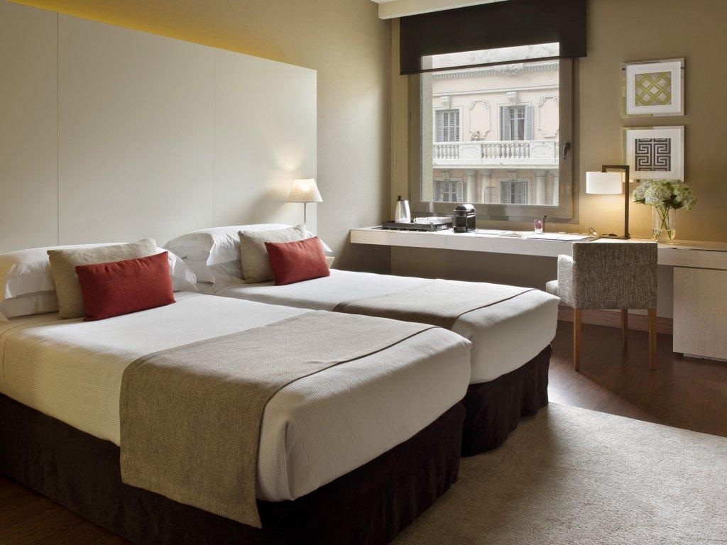 Grand Hotel Central, Barcelona Image 16