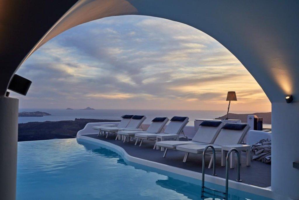 Chromata Santorini Image 0