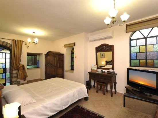Hameiri Estate, Rosh Pina Image 23