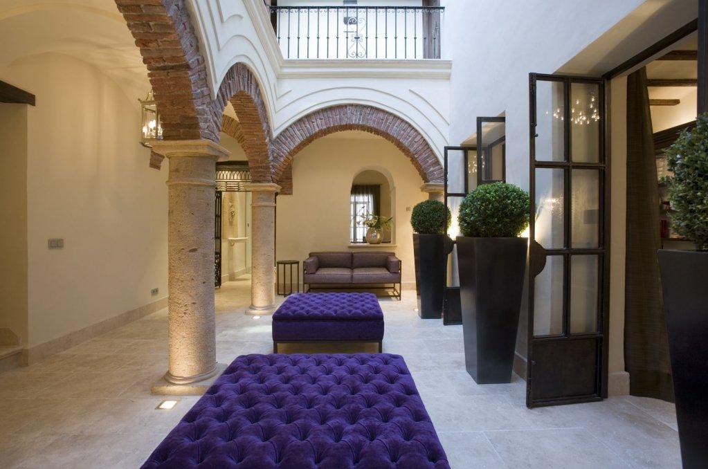 Hotel Claude, Marbella Image 1