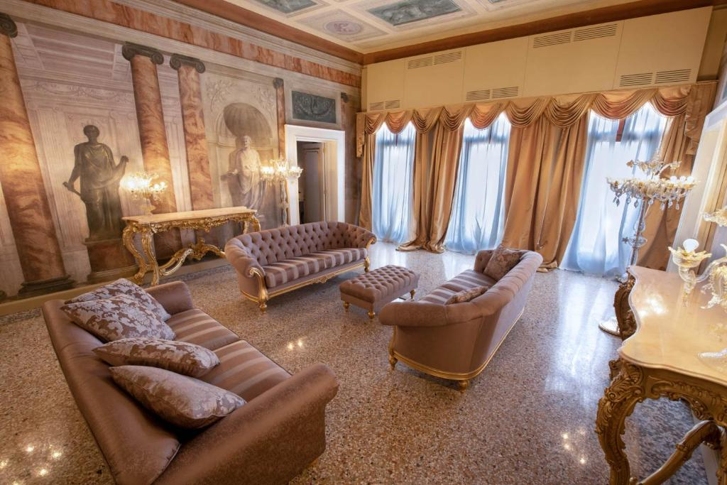 Ca' Bonfadini Historic Experience, Venice Image 1