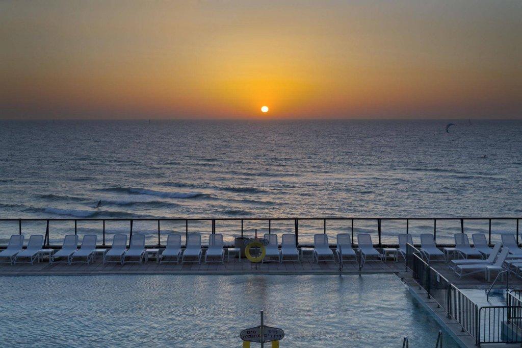 Okeanos Suites Herzliya Hotel By Herbert Samuel Image 28