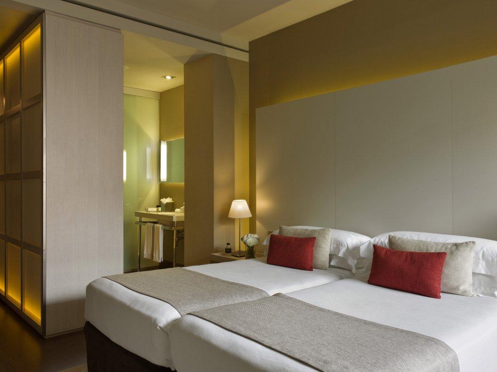 Grand Hotel Central, Barcelona Image 25