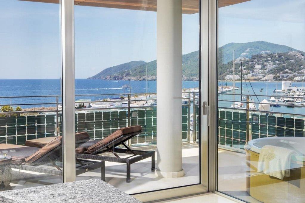 Aguas De Ibiza Grand Luxe Hotel, Santa Eularia Des Riu Image 9