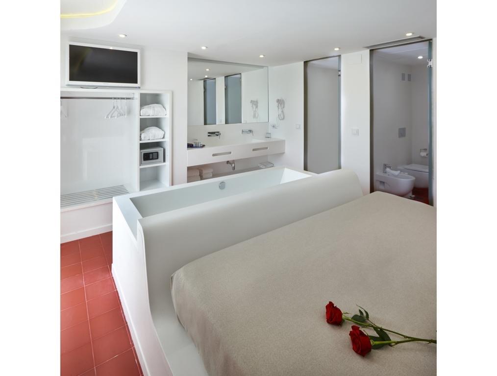 Granada Five Senses Rooms & Suites Image 10