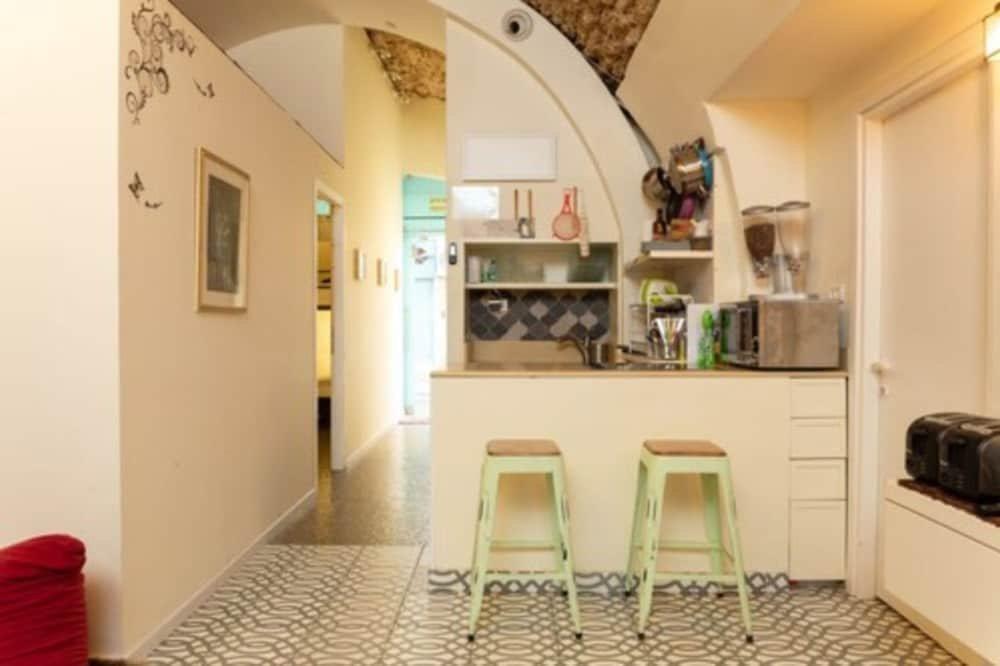 Polihosts Old Jaffa Hostel, Tel Aviv Image 0
