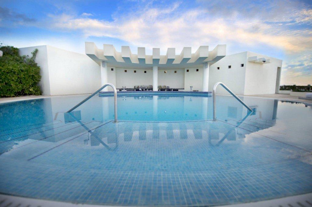 Live Aqua Beach Resort Cancun  Image 0