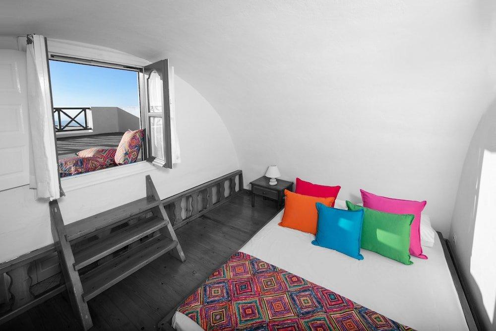 Abelonas Retreat, Santorini Image 44