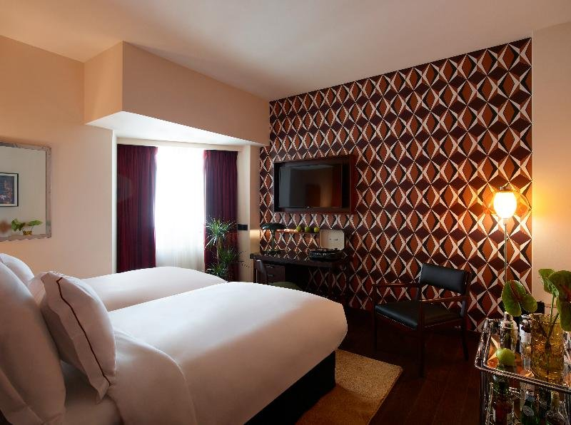Brown Acropol By Brown Hotels Athens Image 18