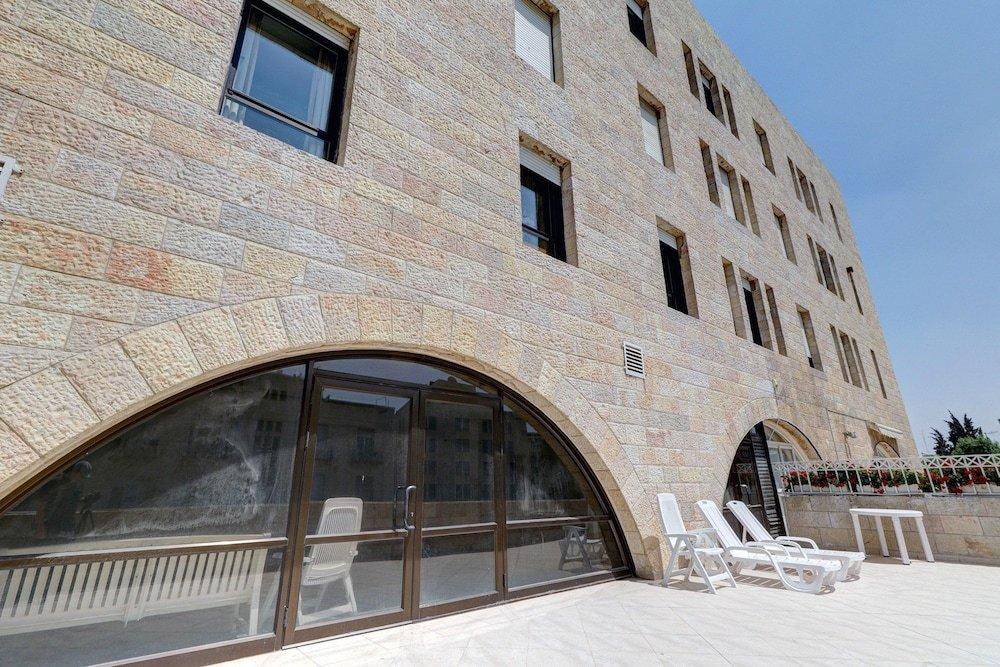 King David Court Jerusalem Image 4
