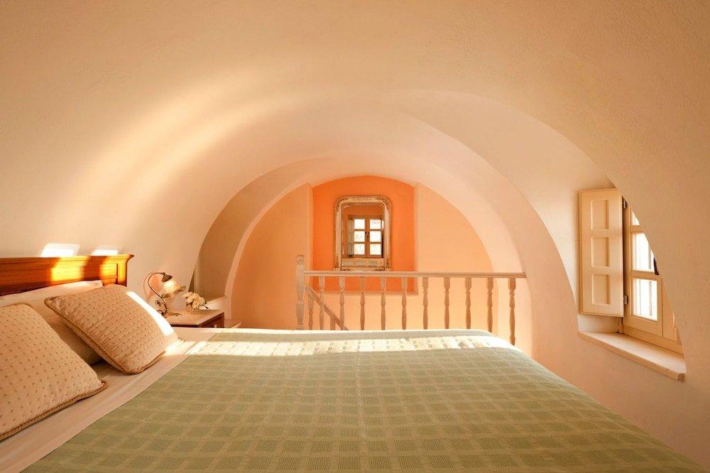 Nefeles Luxury Suites, Fira, Santorini Image 15