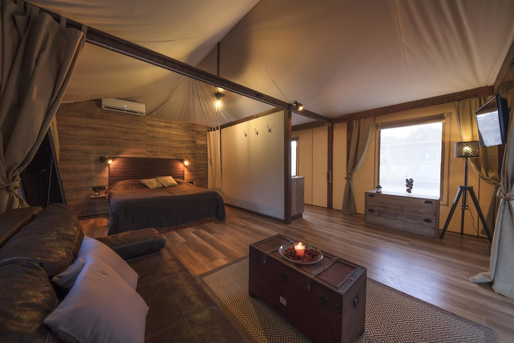 Mediteran Kamp Glamping Tents In Camping Navis Image 1