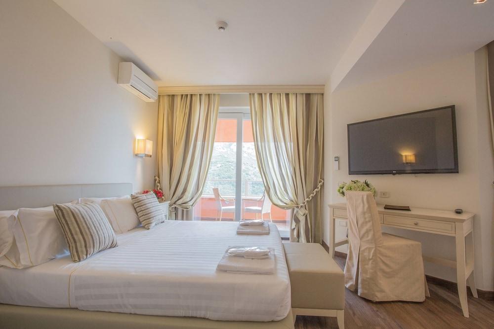Hotel Torre Di Cala Piccola, Porto Santo Stefano Image 1