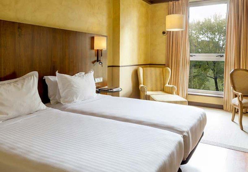 Ac Hotel Palacio Del Carmen, Santiago De Compostela Image 5