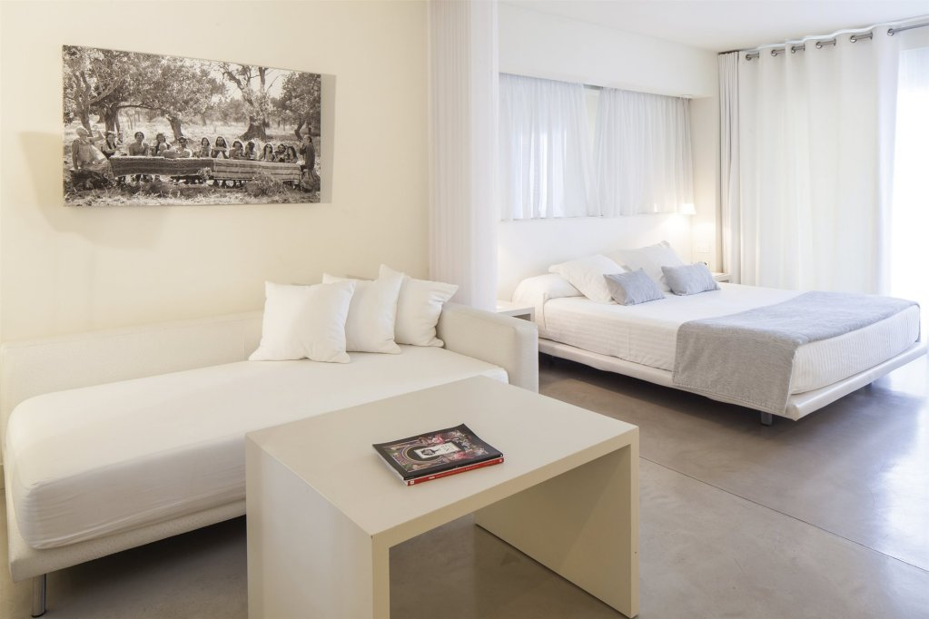 El Hotel Pacha, Ibiza Town, Ibiza Image 0