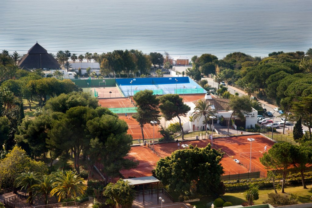 The Oasis By Don Carlos Resort, Marbella Image 8