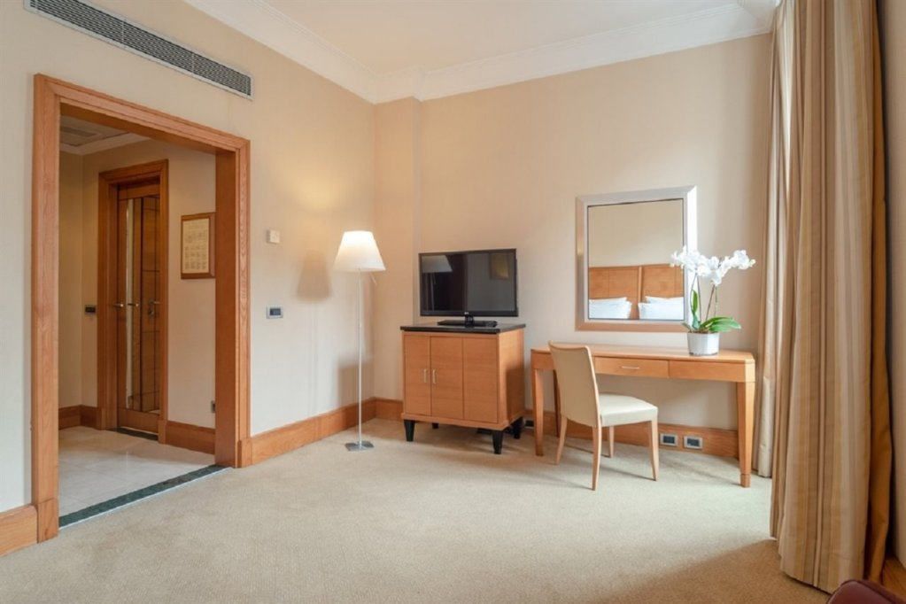 Hotel Capo D'africa - Colosseo, Rome Image 9