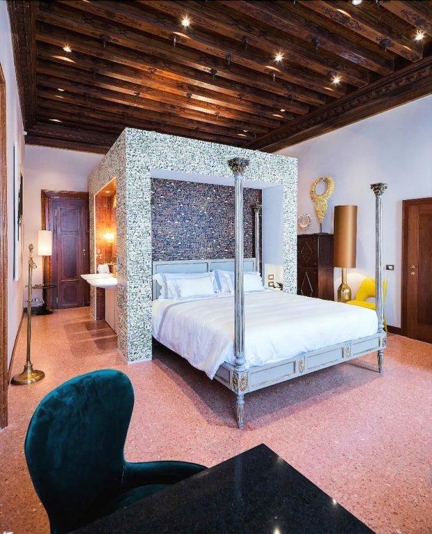 Hotel Heureka, Venice Image 6