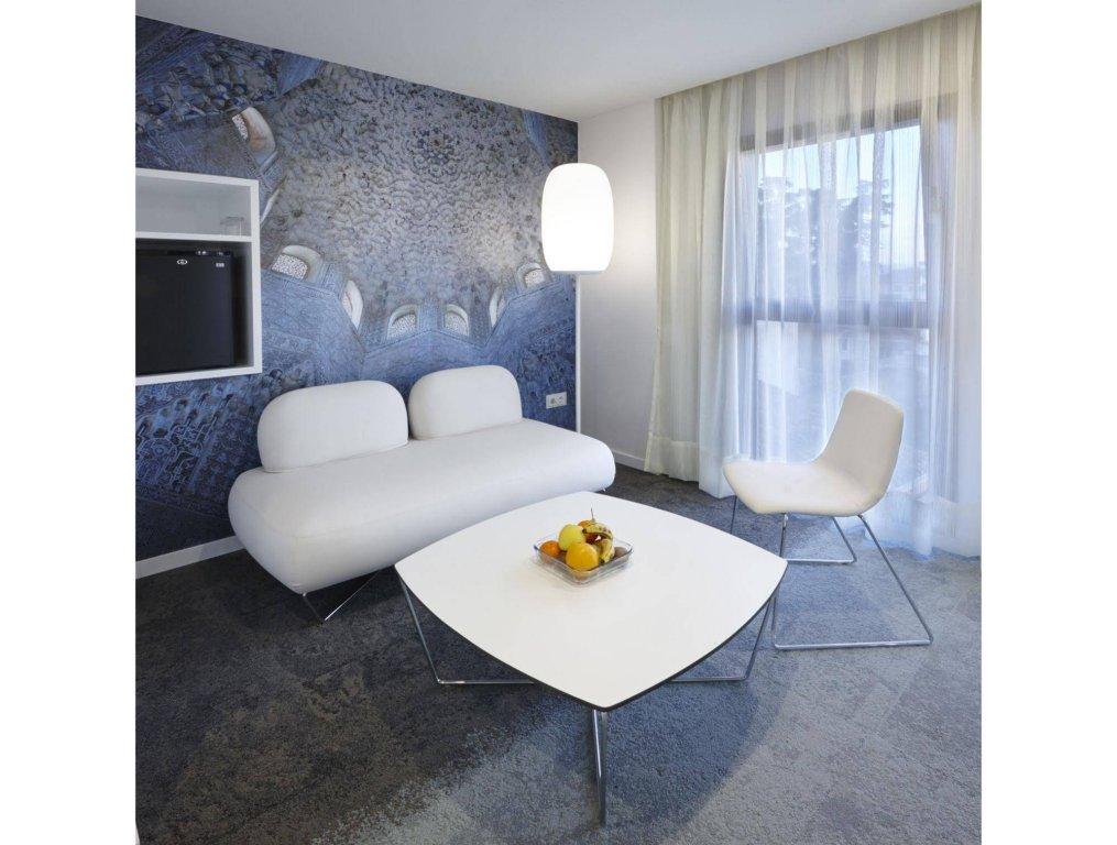 Granada Five Senses Rooms & Suites Image 1