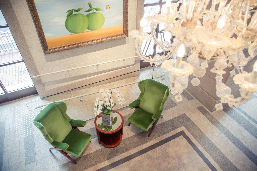 Lanson Place Hotel, Hong Kong Image 4