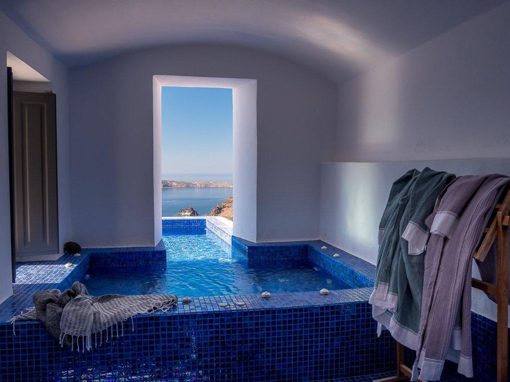 Ikies Santorini Image 2
