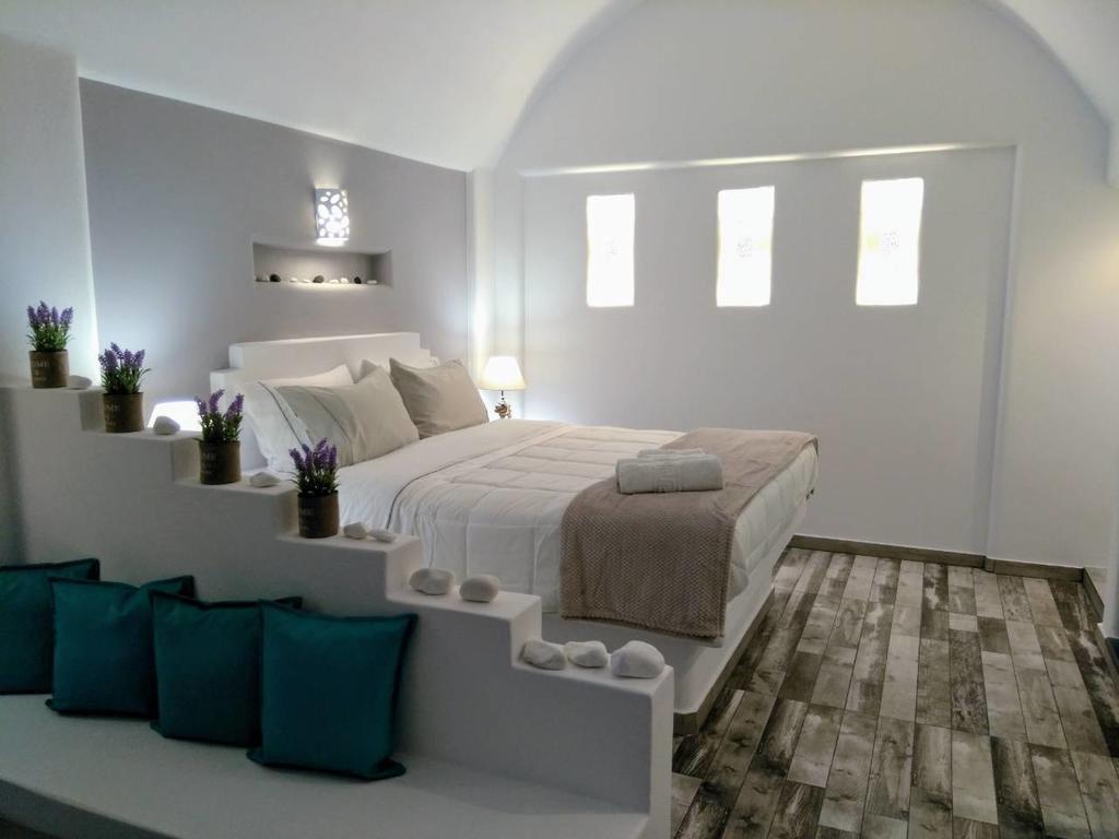 Anastasia Princess Luxury Residence & Suites, Perissa, Santorini Image 25