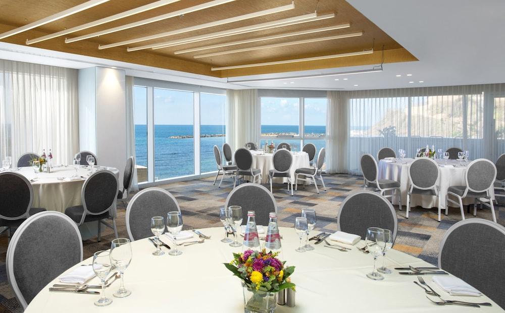 Carlton Tel Aviv Hotel - Luxury On The Beach Image 20