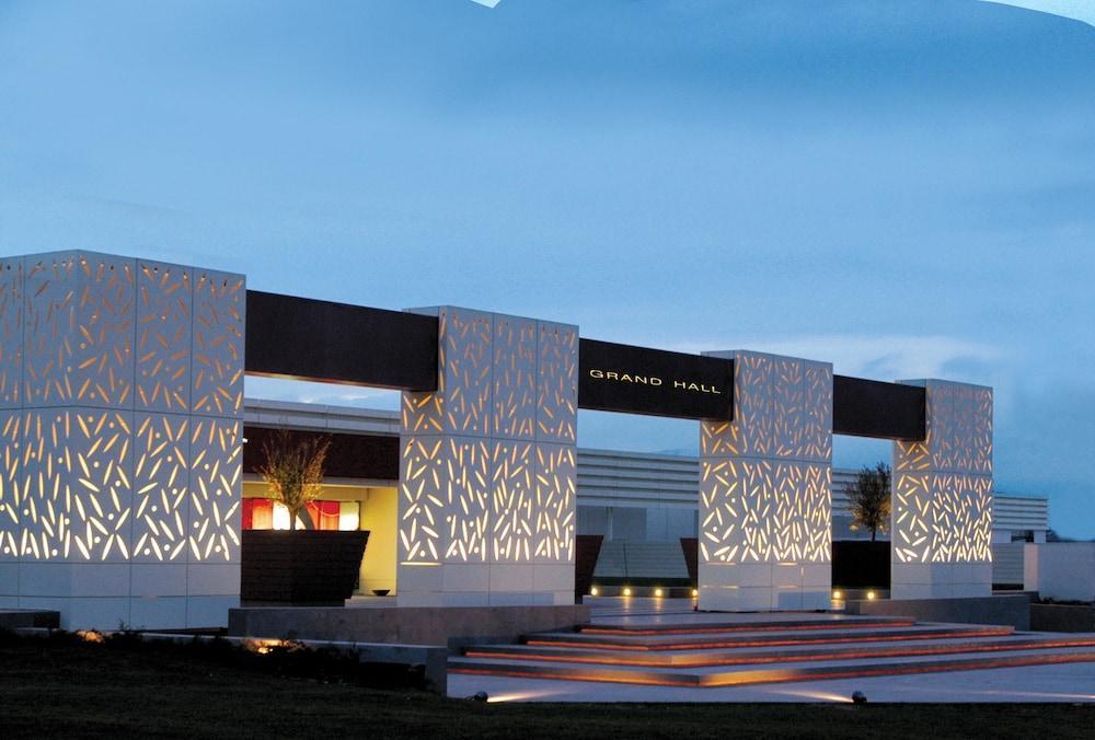 Grand Resort Lagonissi Image 4