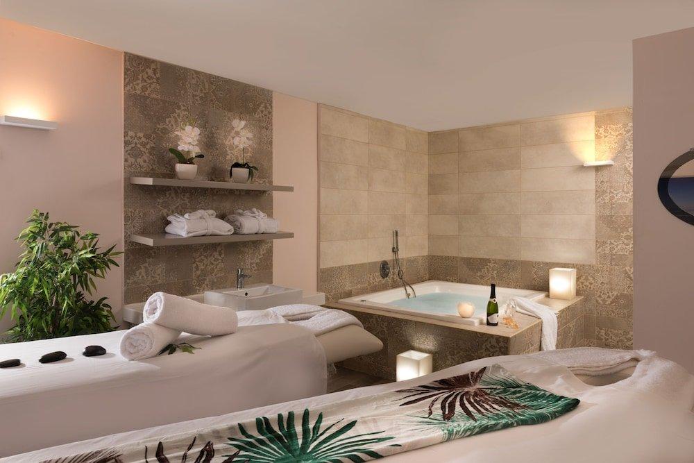 Leonardo Plaza Hotel Dead Sea Image 2