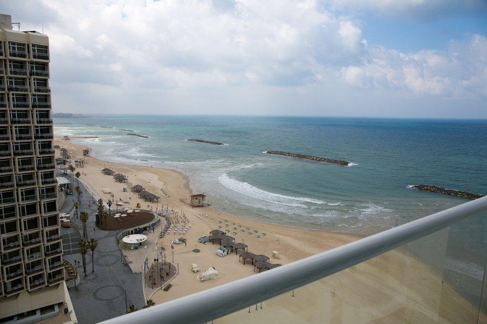 Crowne Plaza Tel Aviv Beach Image 19