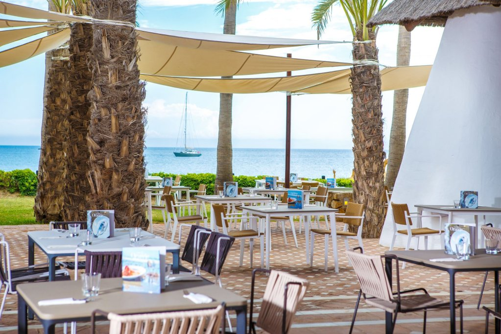 The Oasis By Don Carlos Resort, Marbella Image 0