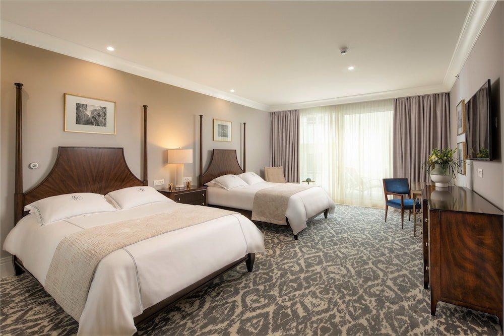 Royal Blue Hotel Image 4