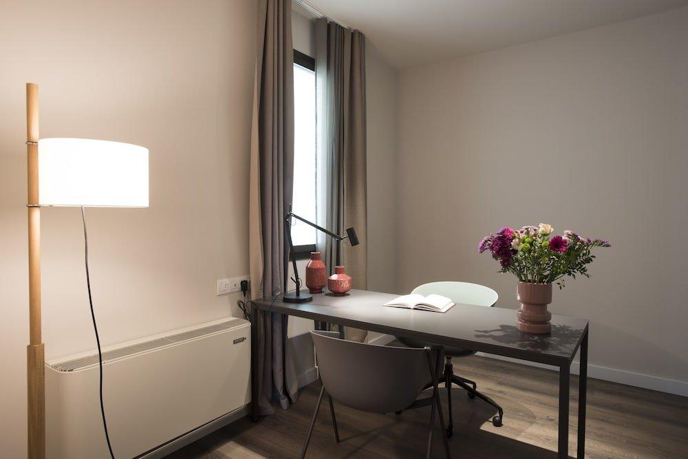 Casagrand Luxury Suites, Barcelona Image 12