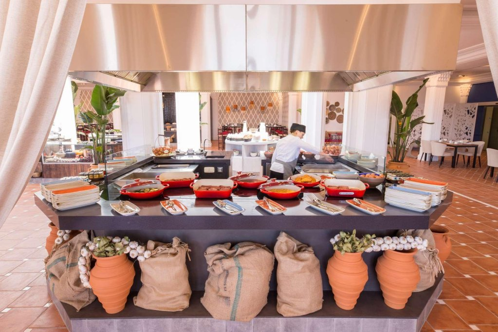 The Oasis By Don Carlos Resort, Marbella Image 3