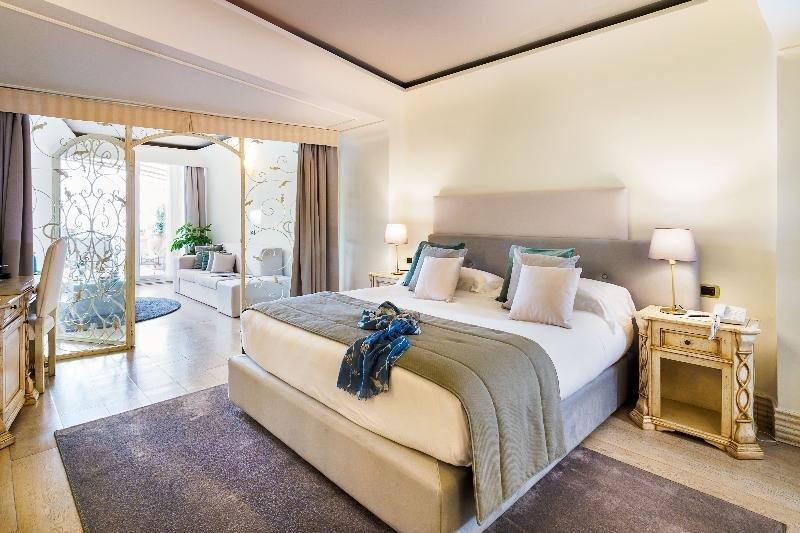 Voi Grand Hotel Atlantis Bay, Taormina Image 7