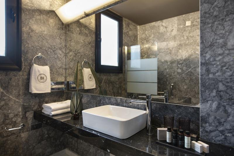 Brown Acropol By Brown Hotels Athens Image 3