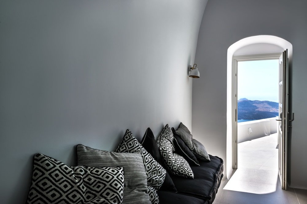 Nefeles Luxury Suites, Fira, Santorini Image 17