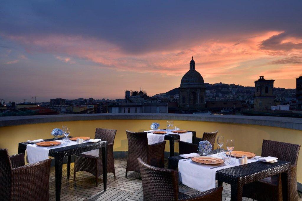 Unahotels Naples Image 0