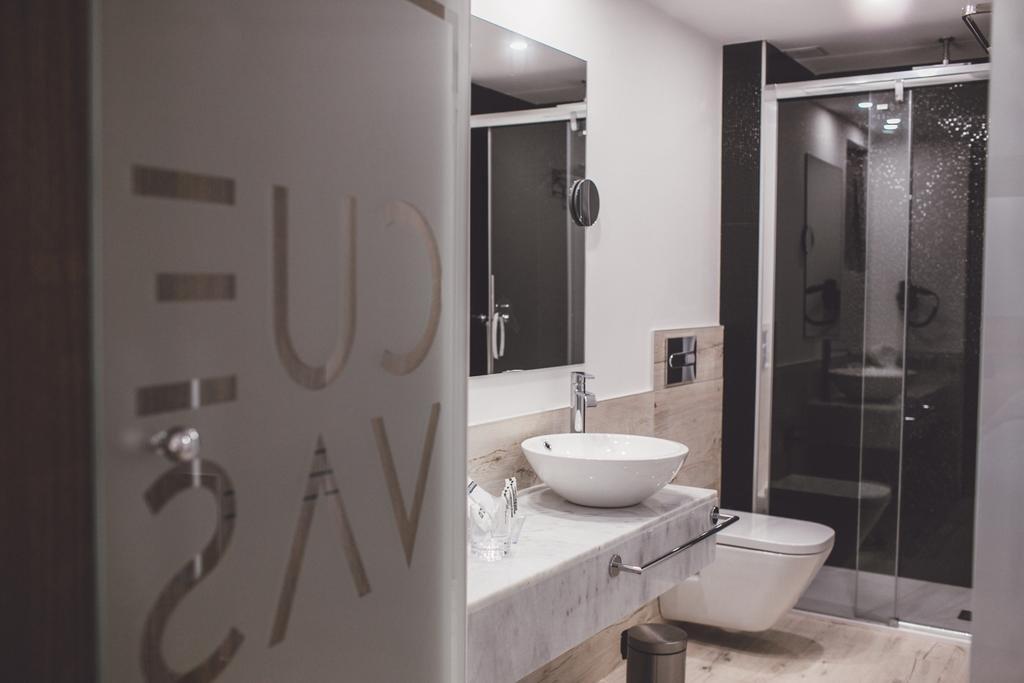 Hotel Cuevas, Santillana Del Mar Image 17