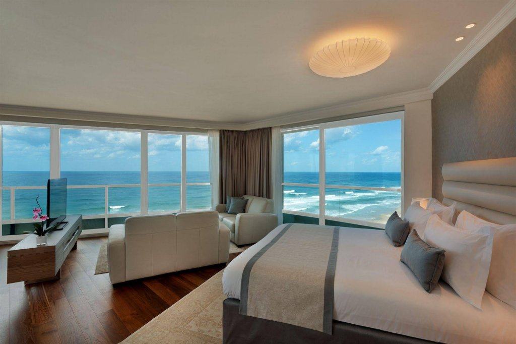 Okeanos Suites Herzliya Hotel By Herbert Samuel Image 13