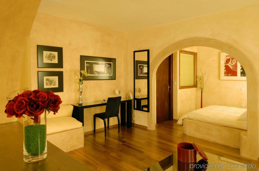 Petra Hotel And Suites, Patmos Image 31